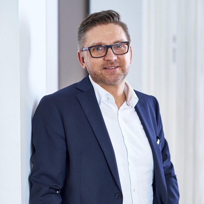Marco Schlüter Hermes Germany