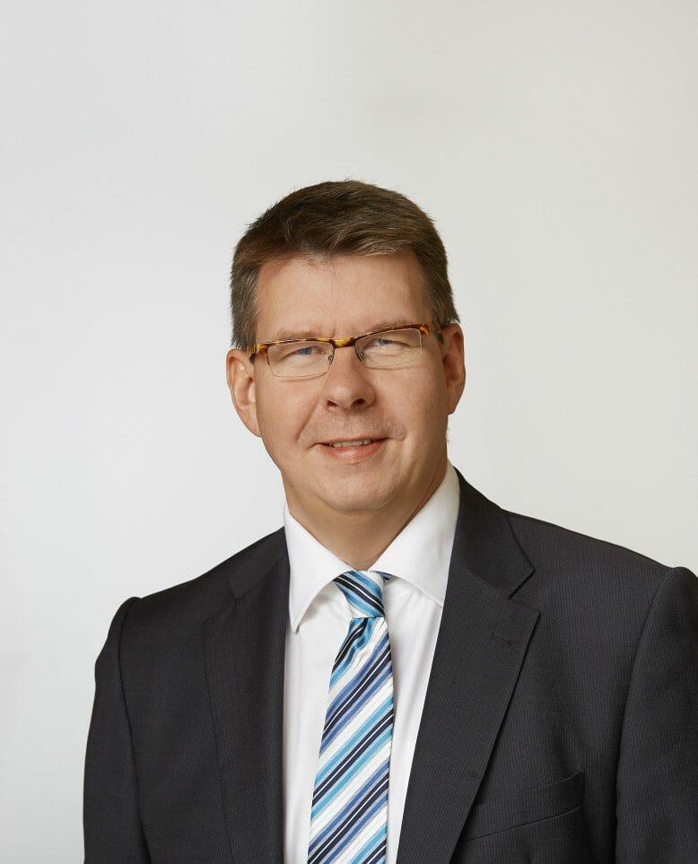 T. Langenhorst, Axians