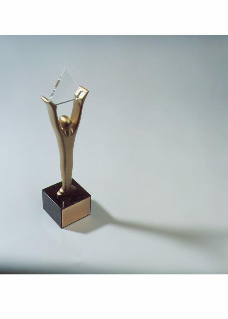 gold_stevie_award_2019