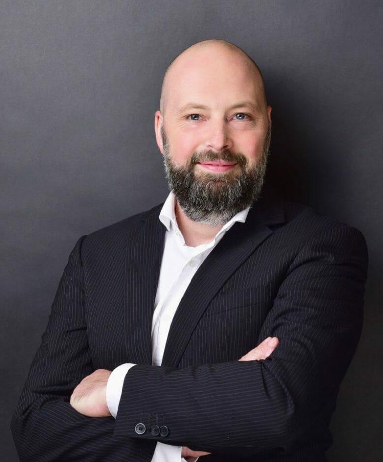Sascha Bäcker, Axians IT Solutions